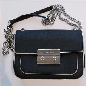👑 HP 👑 Michael Kors Convertible Leather Bag